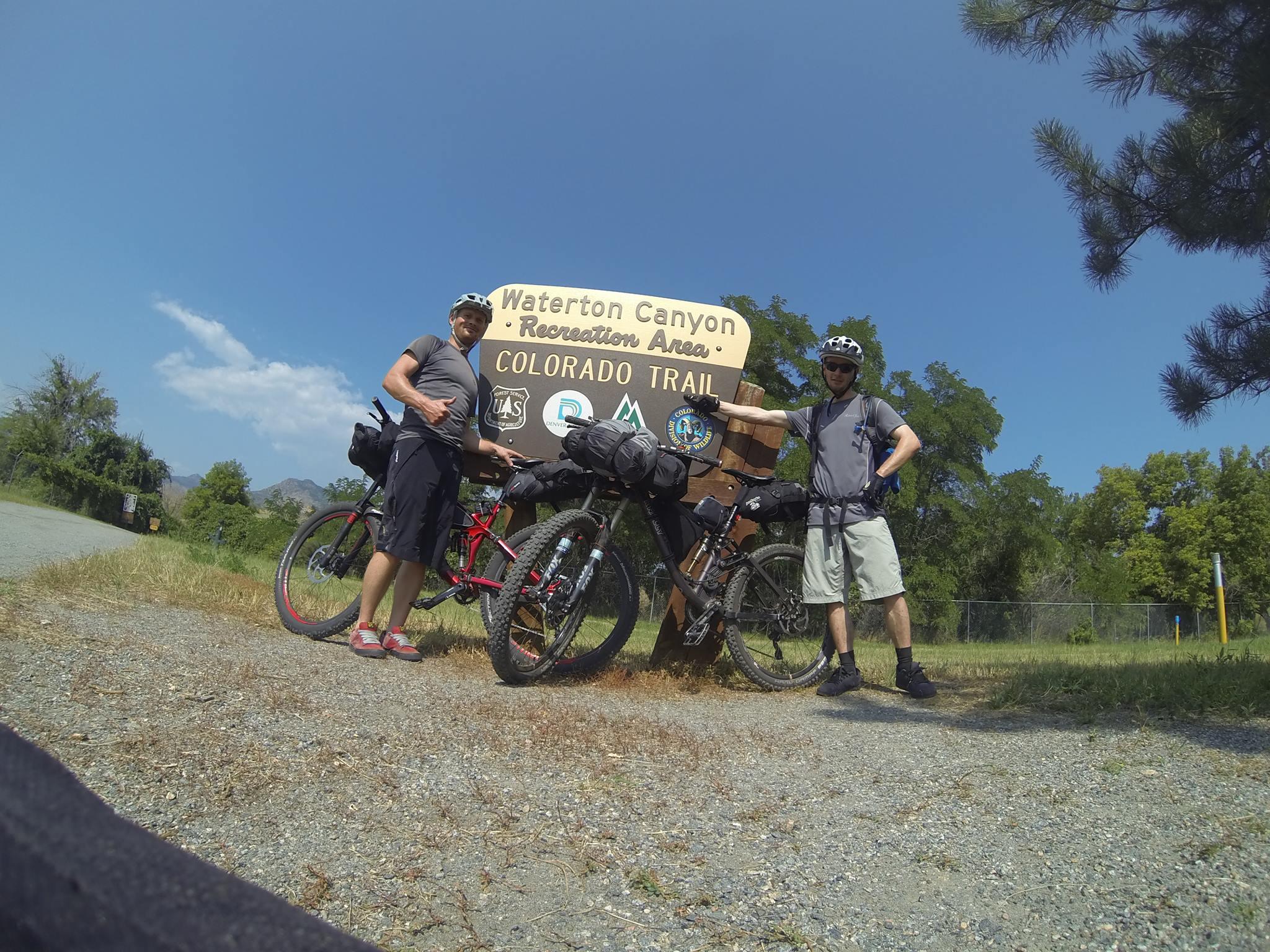 Filip a Michal Hrkeľ po zdarnom prechode Colorado Trailu - 2015